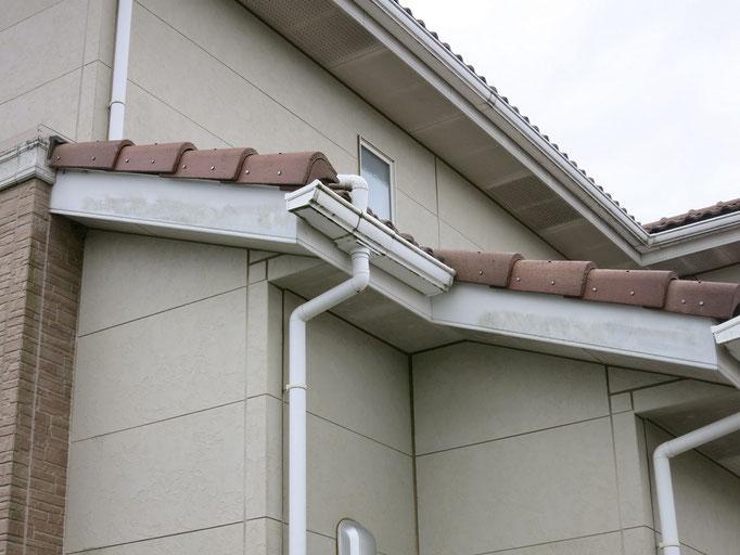 破風板、雨樋/汚れの付着