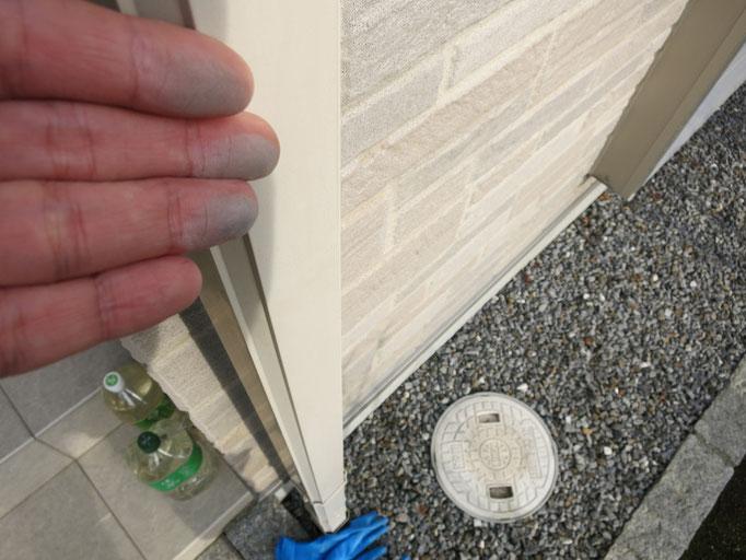 竪雨樋/退色、塗料の粉化