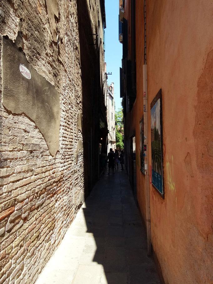 Ruelle très étroite, Venise, Italie