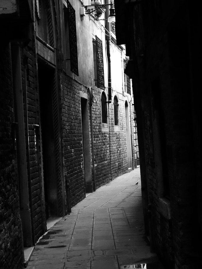 Ruelle ombragée, Venise, Italie