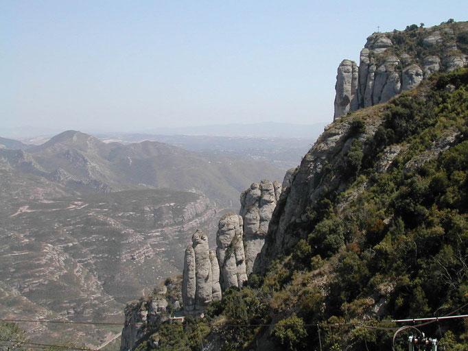 Le mont abrupt de Montserrat, Espagne