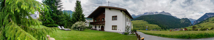 Hausansicht Outdoorlodge Nauders und Alpenblick Appartements