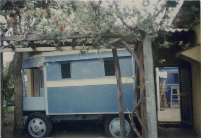 Meherazad - blue bus