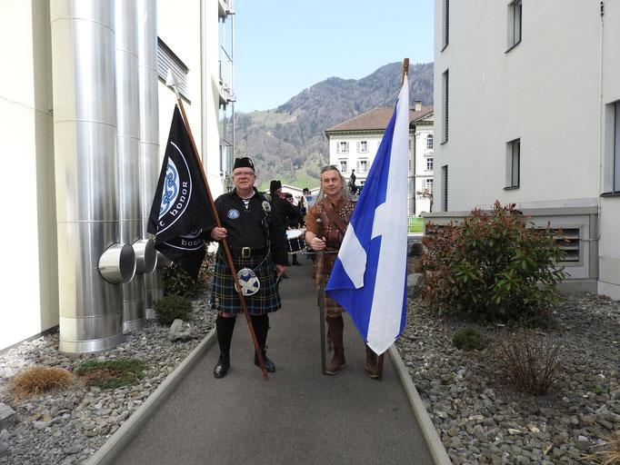 Stolzer Fähnrich und Highlander