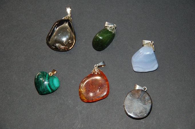 Quartz Fumé - Jade - Calcédoine - Malachite - Ambre - Chiastolite (Andalousite)