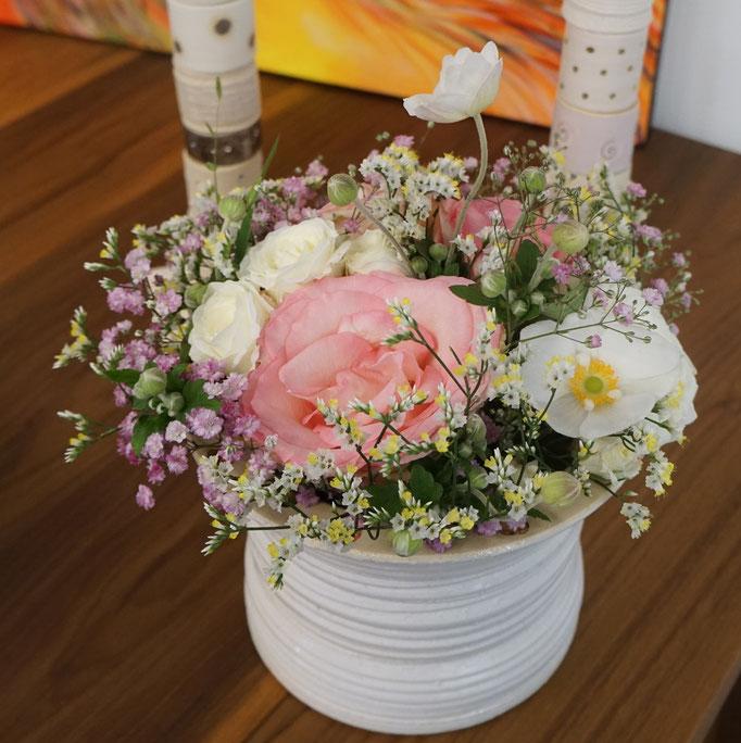 Blumenstrauss in zarten Farben