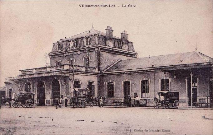 Villeneuve-sur-Lot - La gare avec l'avancée.