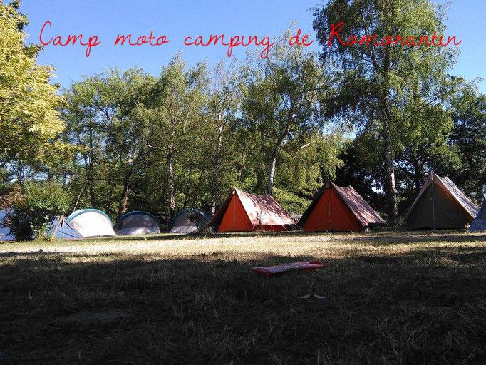 Camp au camping de Romorantin