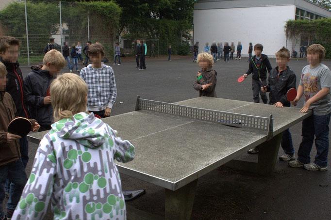 Tischtennis auf dem Sporthof, Foto: Tobias Aschenbrenner