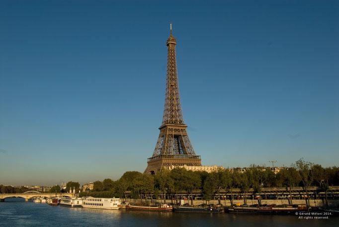 Quai de Seine et Tour Eiffel