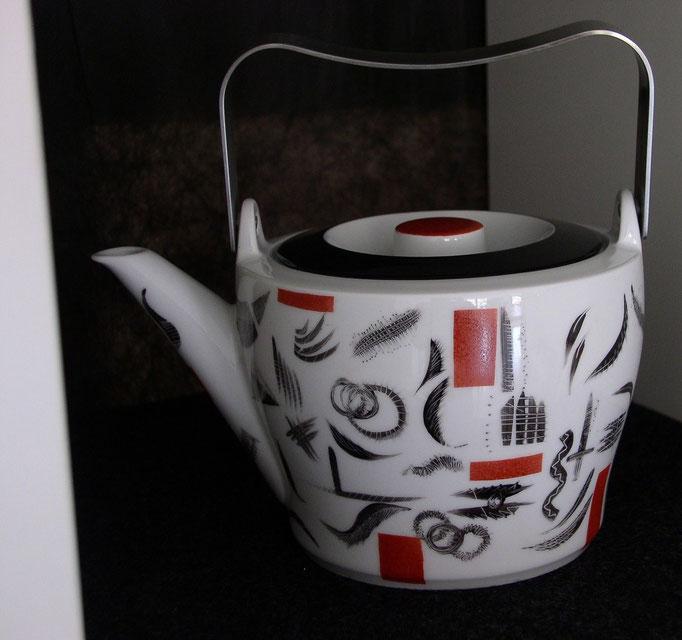 Teekanne (Muster schwarz/rost)