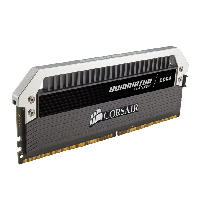 Corsair Dominator Platinum 16 Go (1x 8 Go) DDR4 3600 MHz CL18