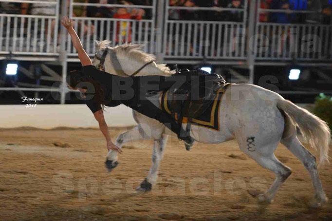 Nuits Équestres de la Féria de Béziers 2015 - Troupe de voltigeurs à cheval