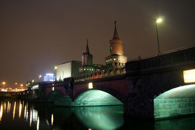 Oberbaumbrücke w pelni swego uroku