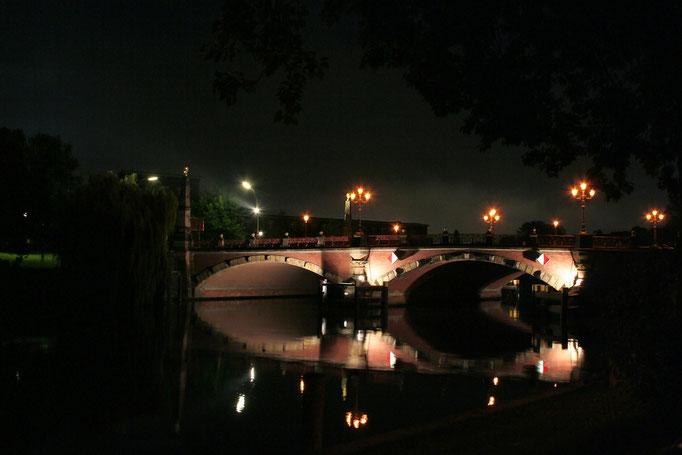Jeden z licznych mostow na Sprewie