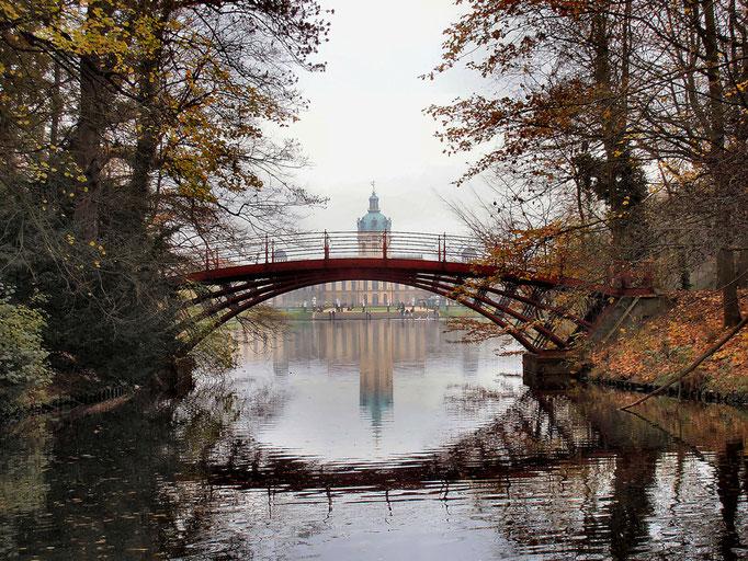 Widok z parku na Zamek Charlottenburg