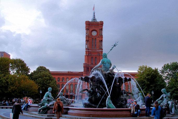Rotes Rathaus - tu urzedzje burmistrz Berlina