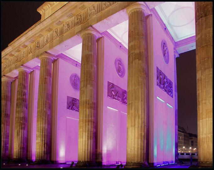 Iluminacja filarow Bramy Brandenburskiej