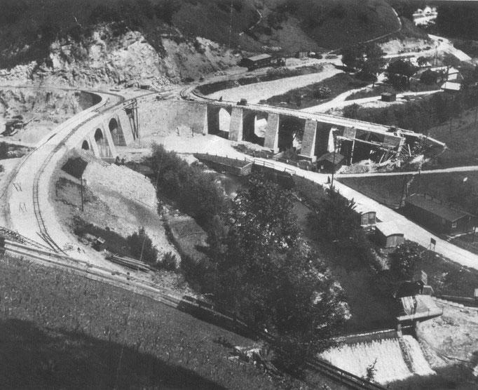 Die Rundbrücke bei der Mündung von Neustiftgraben und Pechgraben