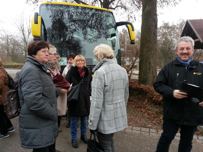 Fahrt nach Altötting zum Weihnachtsmarkt mit nettem Busfahrer