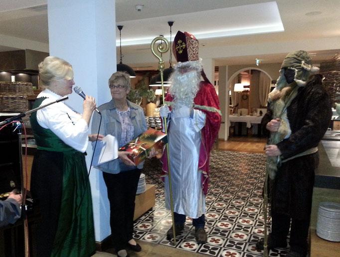 Hotelchefin, Brunhilde Weil, Nikolaus und Krampus