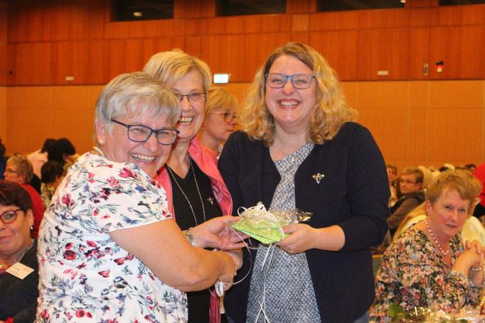 Gratulation von 1. und 2. Vorsitzenden Bezirksverein Weilburg
