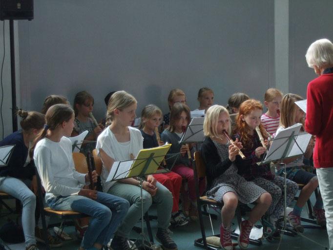 Flöten-AG: A-Klassen und 4. Schuljahr