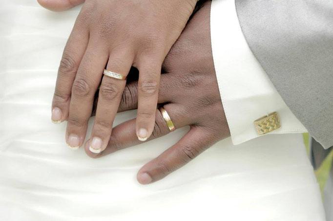 Beauté des mains. Mise en beauté de la mariée, beauté événementielle L'Instant Beauté de Noé