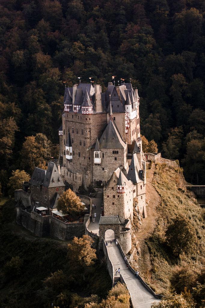 Burg Eltz im Herbst
