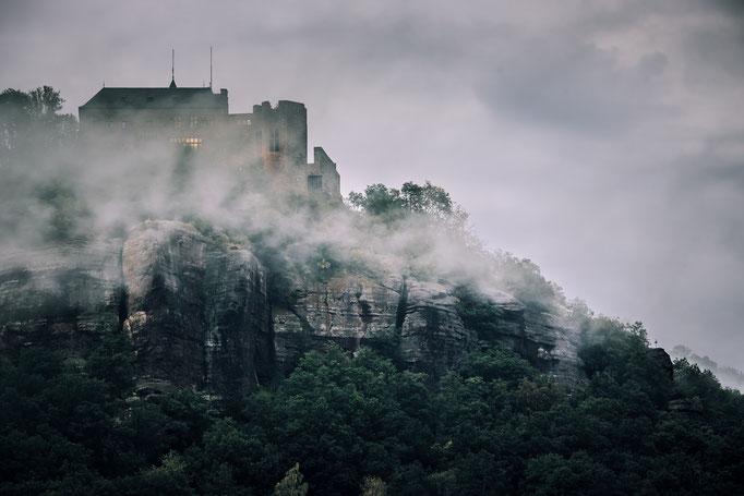 Burg Nideggen - Nideggen Düren im Nebel