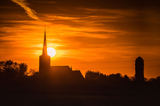 Sonnenuntergang hinter St.Peter und Paul