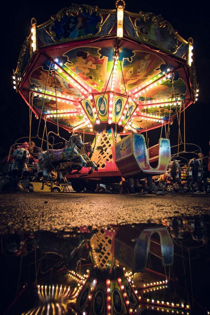 W56 - Weihnachtsmarkt Karussell