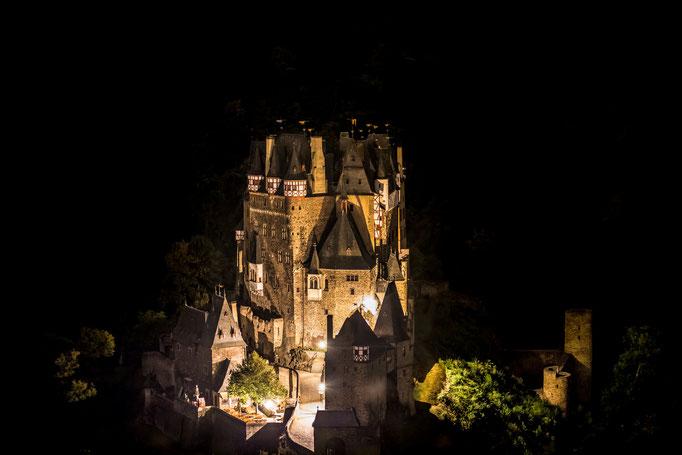 Burg Eltz am abend