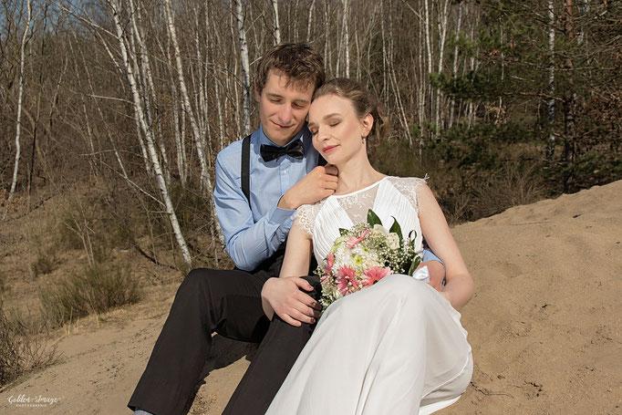 Brautpaar genießt die zeit zusammen
