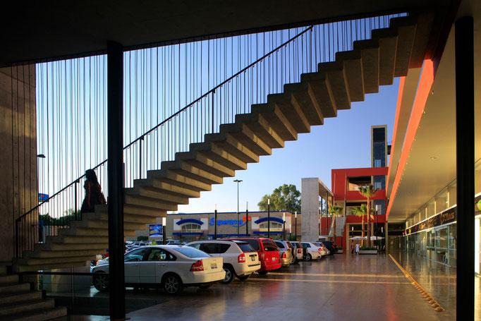 Detalle escalera de concreto