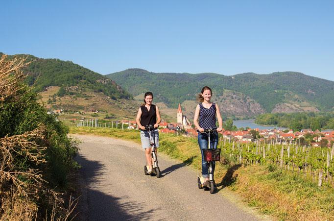 Ausflug mit Scooteremotion Roller in den Rieden der Wachau Verleih