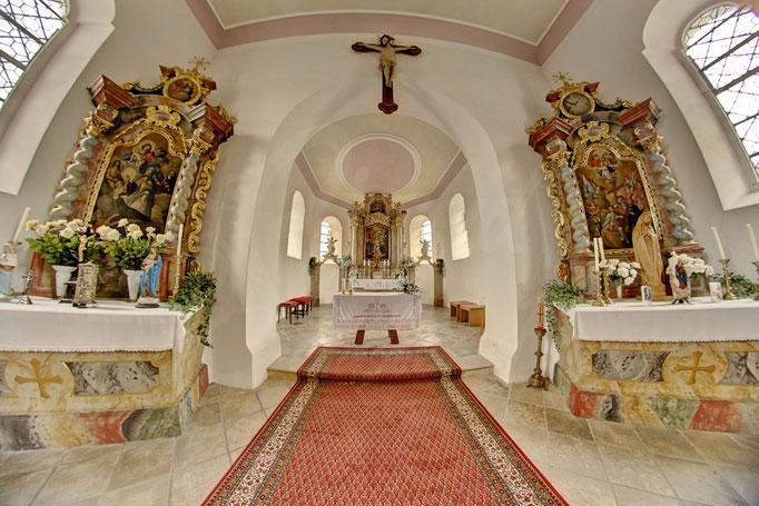 Regen Heilig Geist Kirche Innenraum