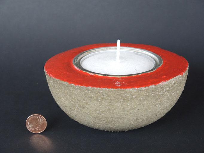 betongrau mit rot - hochglänzend lackiert