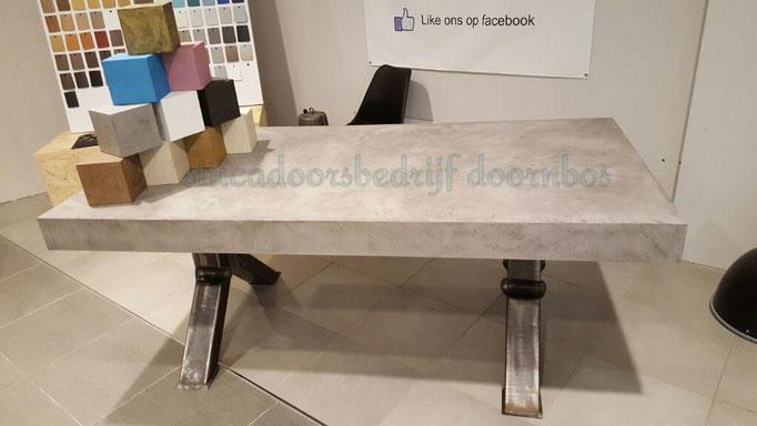 Beal mortex tafelblad 12cm met unieke stalen poten