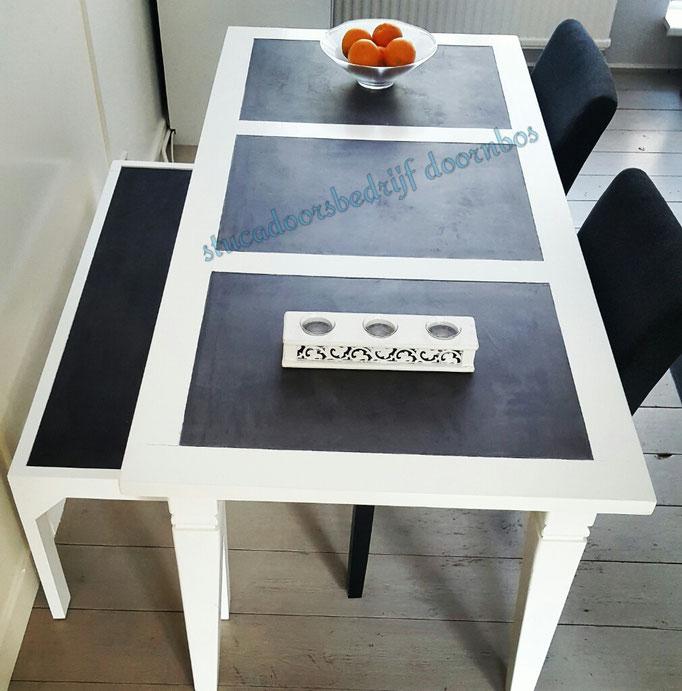 Eetkamer set tafel en bankje met beal mortex afgewerkt