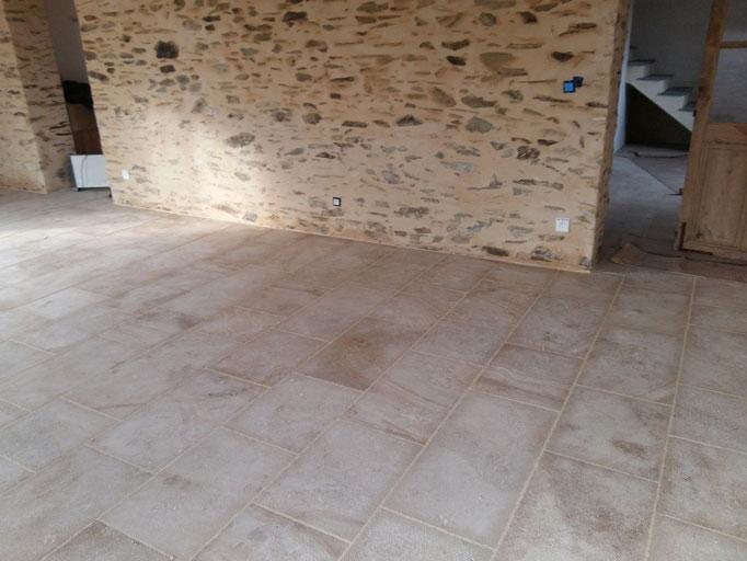 Carrelage intérieur en pierre de Bourgogne