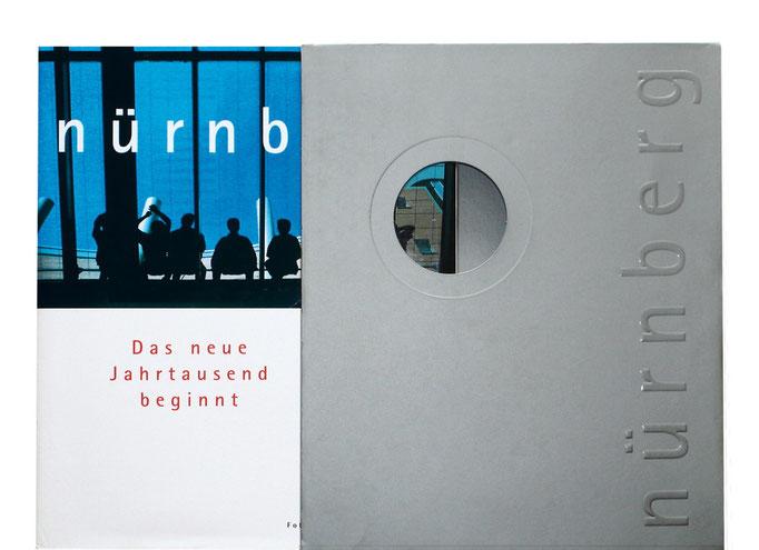 340 Seiten Nürnberg im aufwendig geprägten und gestanzten Silber Schuber.