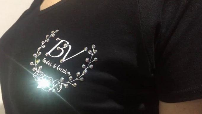 #my monic #camisetas con swarovski #tshirts #luxury #swarovski #blue velvet eventos #ropa swarovski #logo #swarovski #camiseta swarovski