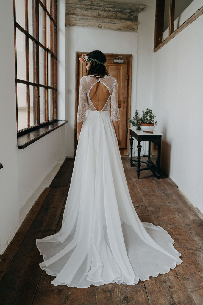 Brautkleid mit Spitze Tüll Boho Hochzeit Strandhochzeit rückenfrei