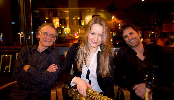 Victoria Mozalevskaya Trio: Thomas Dürst, Victoria Mozalevskaya, Pius Baschnagel. Foto: Nicco Petroccia