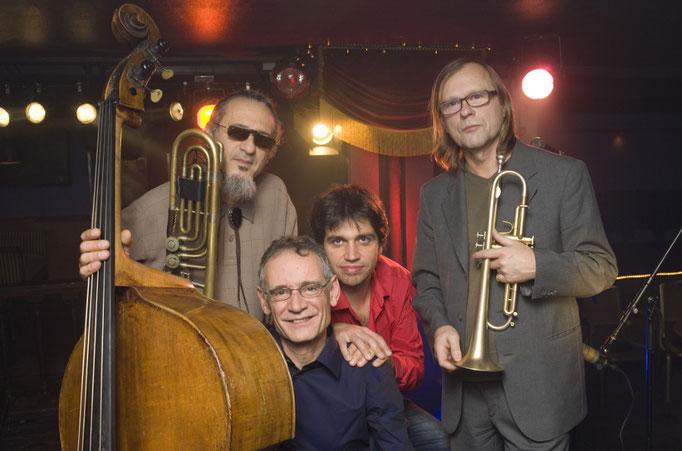 Peter Schärli Trio feat. Glenn Ferris: Glenn Ferris, Thomas Dürst, Hans Peter Pfammatter, Peter Schärli. Foto: Priska Ketterer
