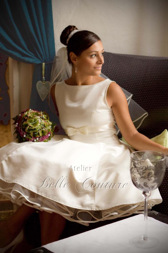 klassisches Brautkleid mit U-Bootausschnitt Livia
