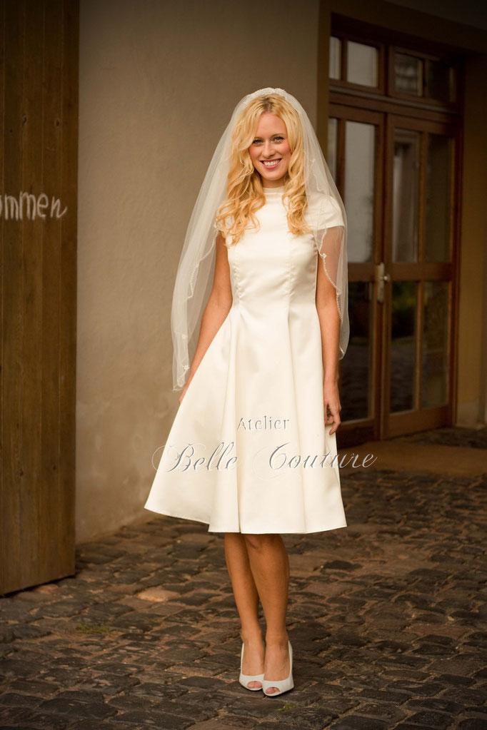 puristisches Brautkleid knielang Sophie