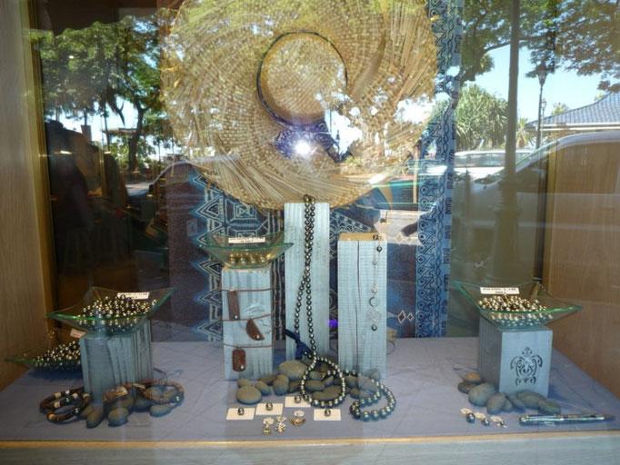 Tiendas de perlas por todas partes