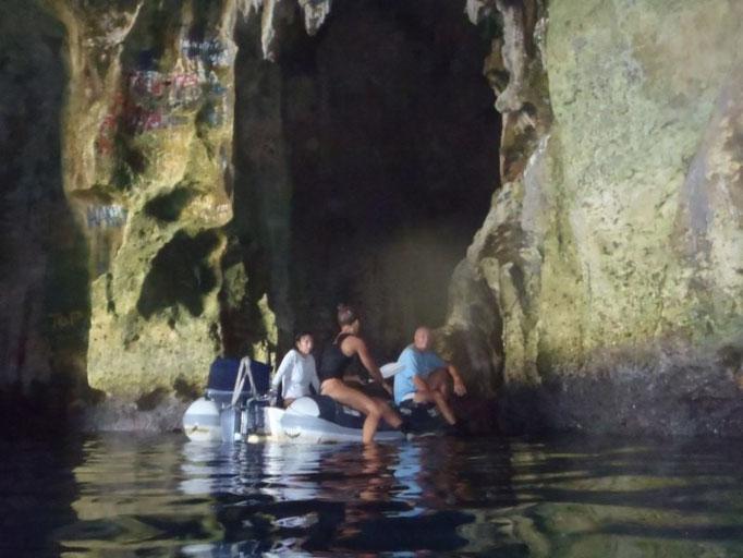 Cuevas en Port Mourelle